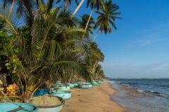 Рыбацкие лодки на пляже Муйне. Вьетнам