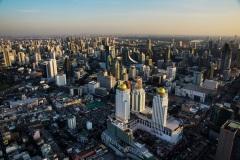 Вид с панорамной площадки на Бангкок. Небоскрёб Байок Скай.