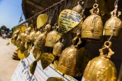 Колокольчики желаний у храма большого Будды на отсрове Пхукет. Тайланд.