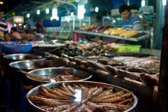 На ночном рынке острова Фукуок. Вьетнам