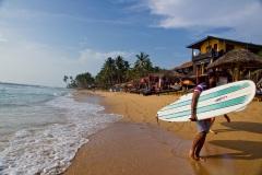 На пляжах Хиккадувы. Сёрферы. Шри Ланка