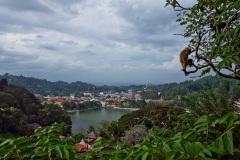 Вид на озеро Канди. Центральная часть Шри Ланки. Канди