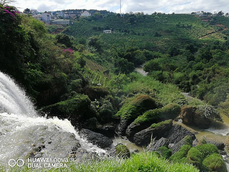 Водопад. Далат. Вьетнам
