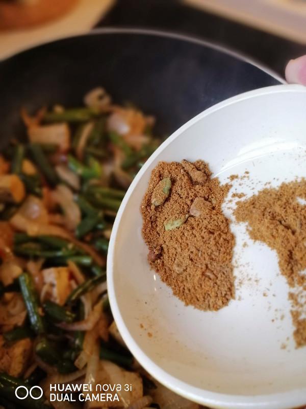 Лапша по-тайски с морепродуктами. Тайское блюдо