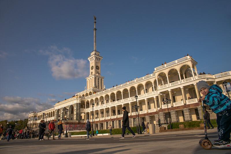 Северный речной вокзал в Москве.